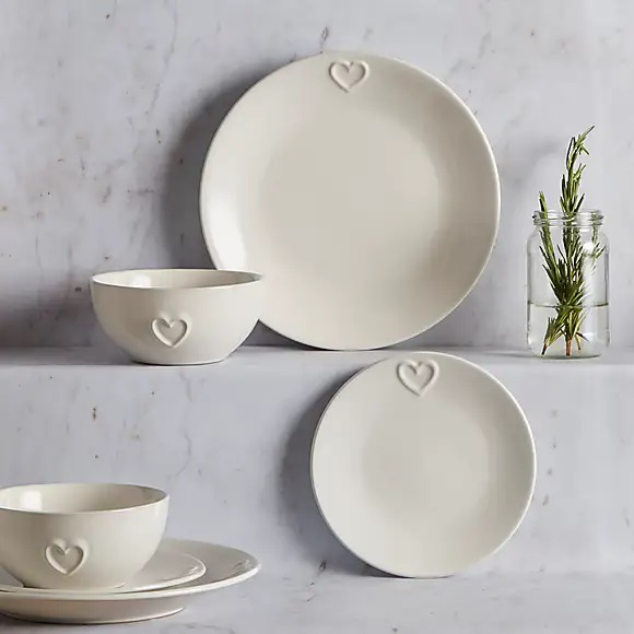 Refresh your dining table with new dinner sets this winter